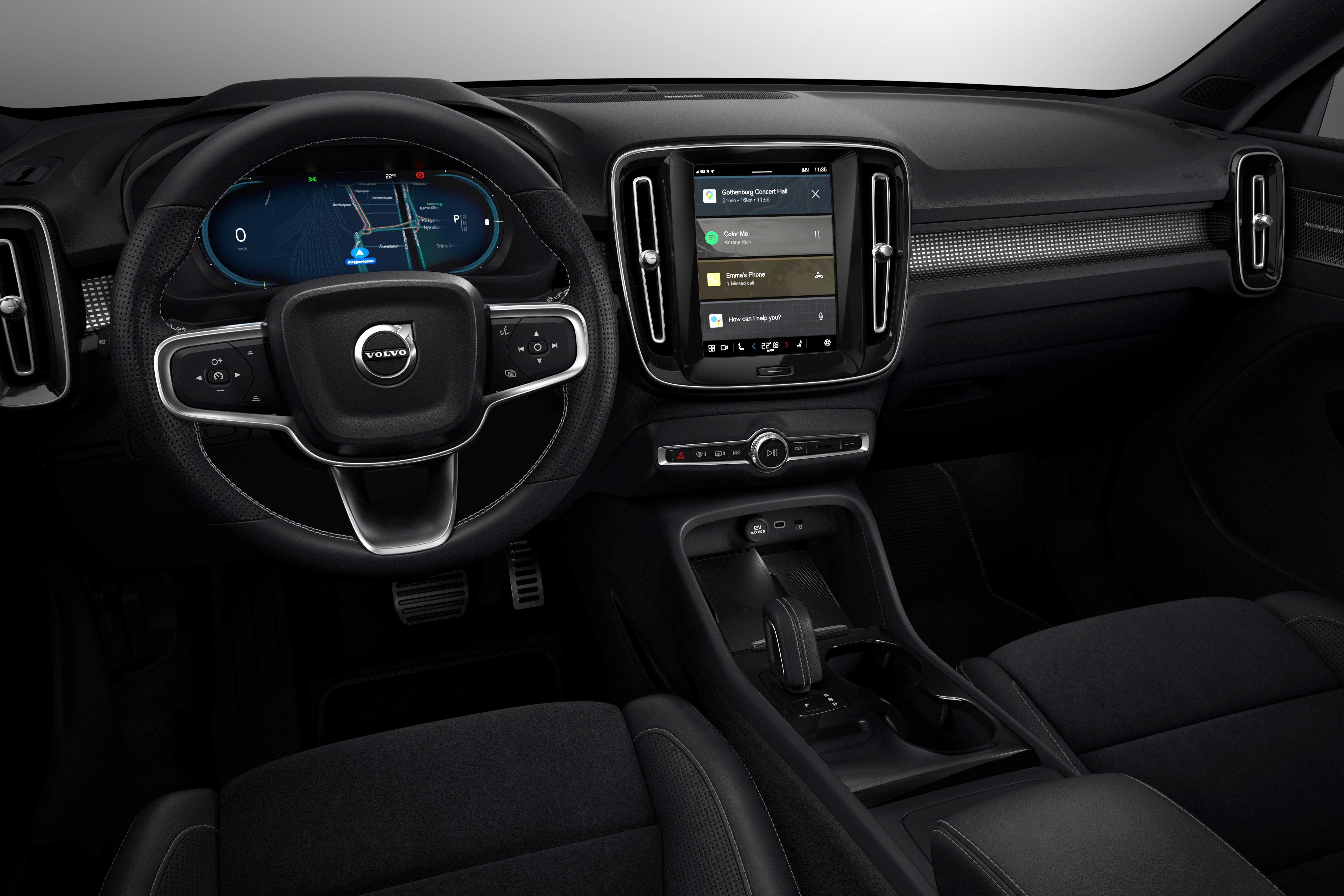 Volvo Cars safety experts say: use technology to support drivers and reduce distraction